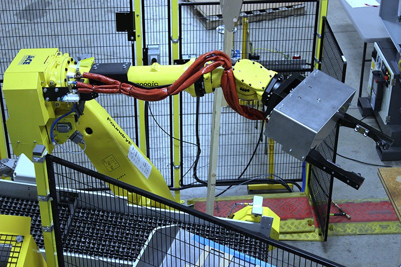 FANUC R2000iC/165F FoundryPro robot for Presrite forging application