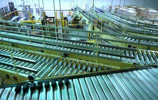 Hytrol Shoe Sortation Conveyor diversion