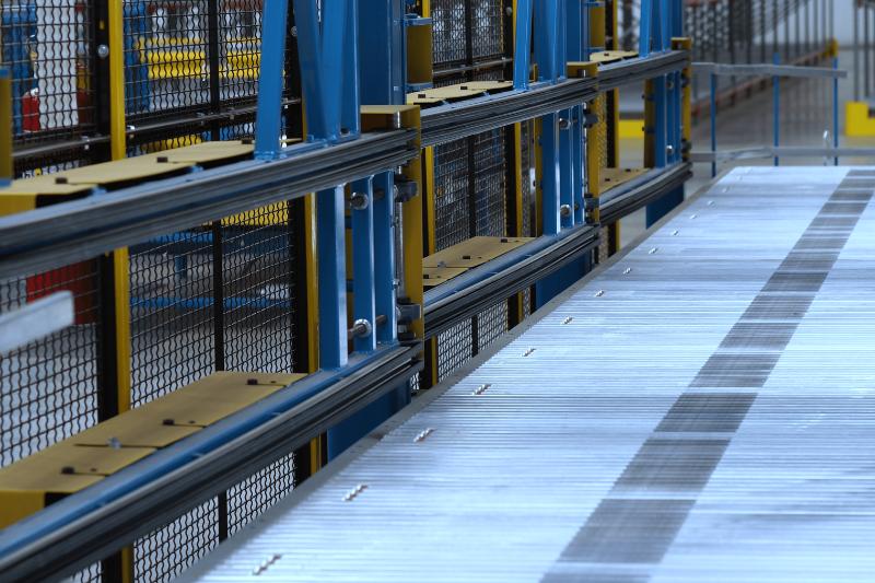 Image of main takeaway conveyor and diverter gates.